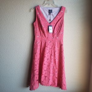 Adrianna Papell NWT Floral Lace Dress V Neck Sz 4